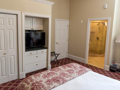 Lafayette Executive Suite