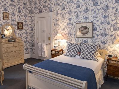 Le Chateau Room