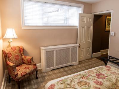 Saratoga Executive Suite