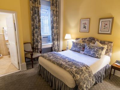 Rittenhouse Executive Suite